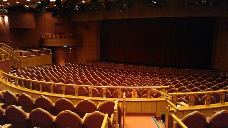 藍寶石公主號 - 劇院