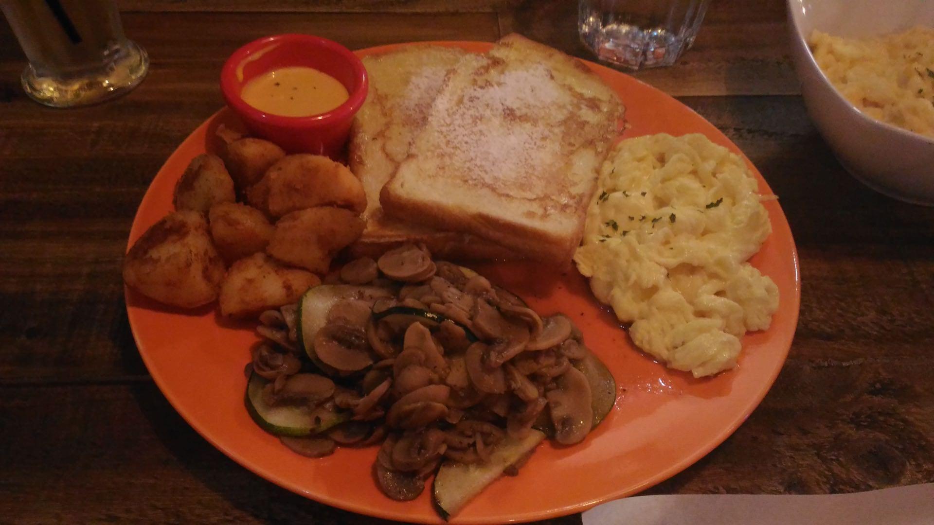 蘑菇櫛瓜早午餐