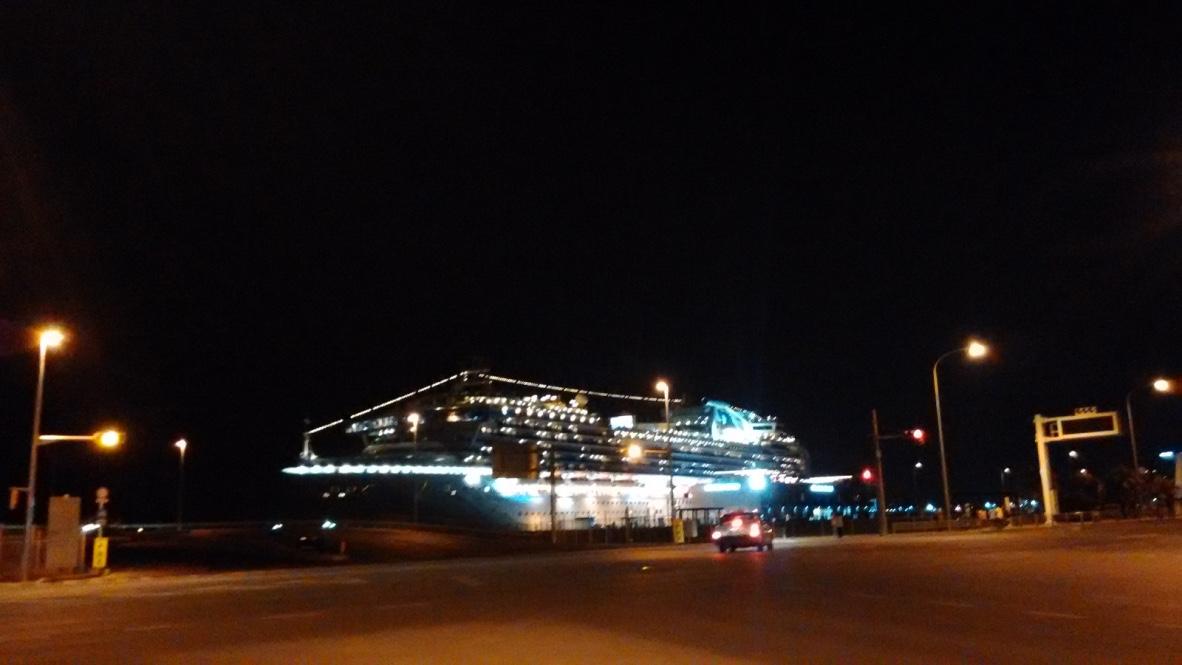 藍寶石公主號夜景