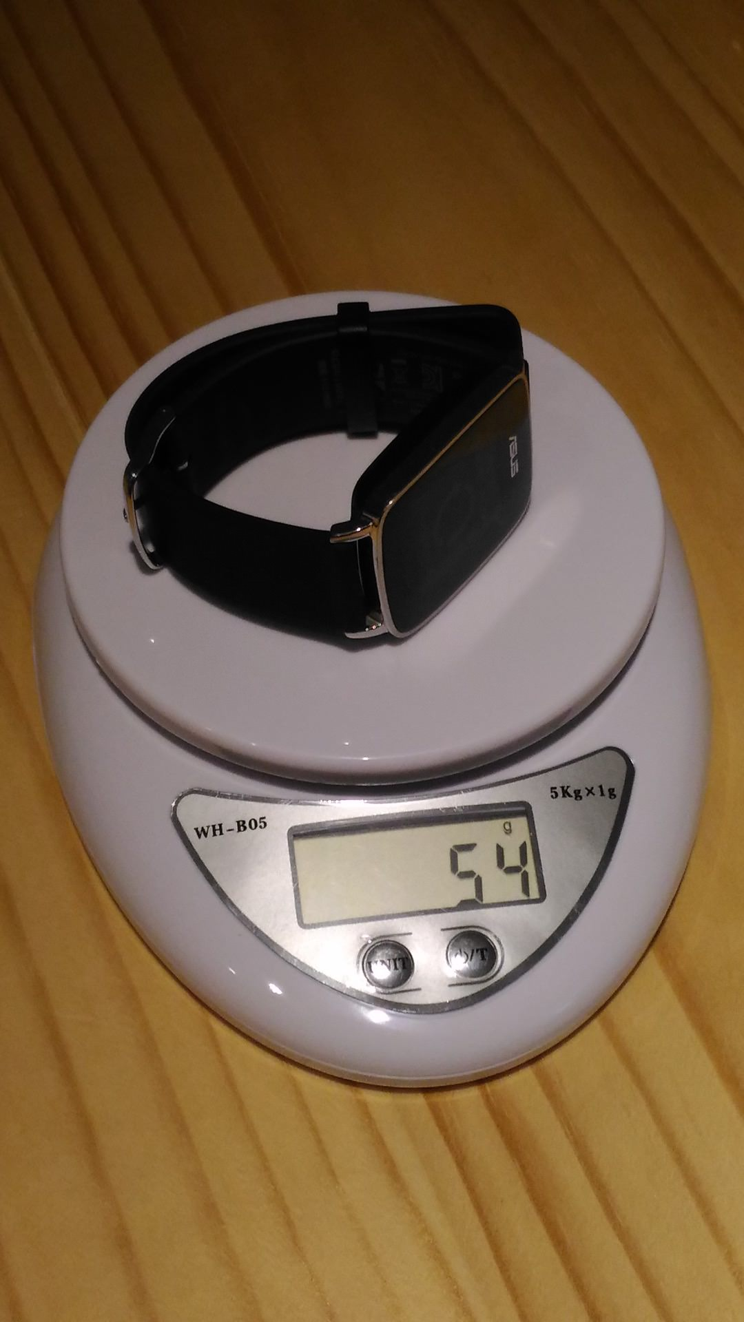 ASUS VivoWatch 量體重