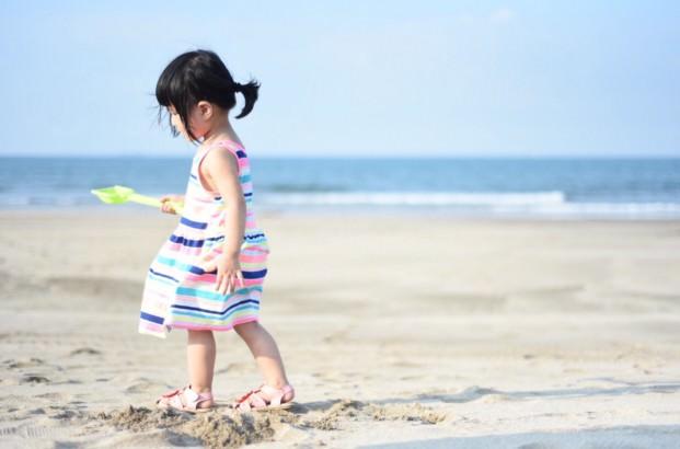 第一次帶雙寶出門玩 - 北海岸白沙灣海灘遊