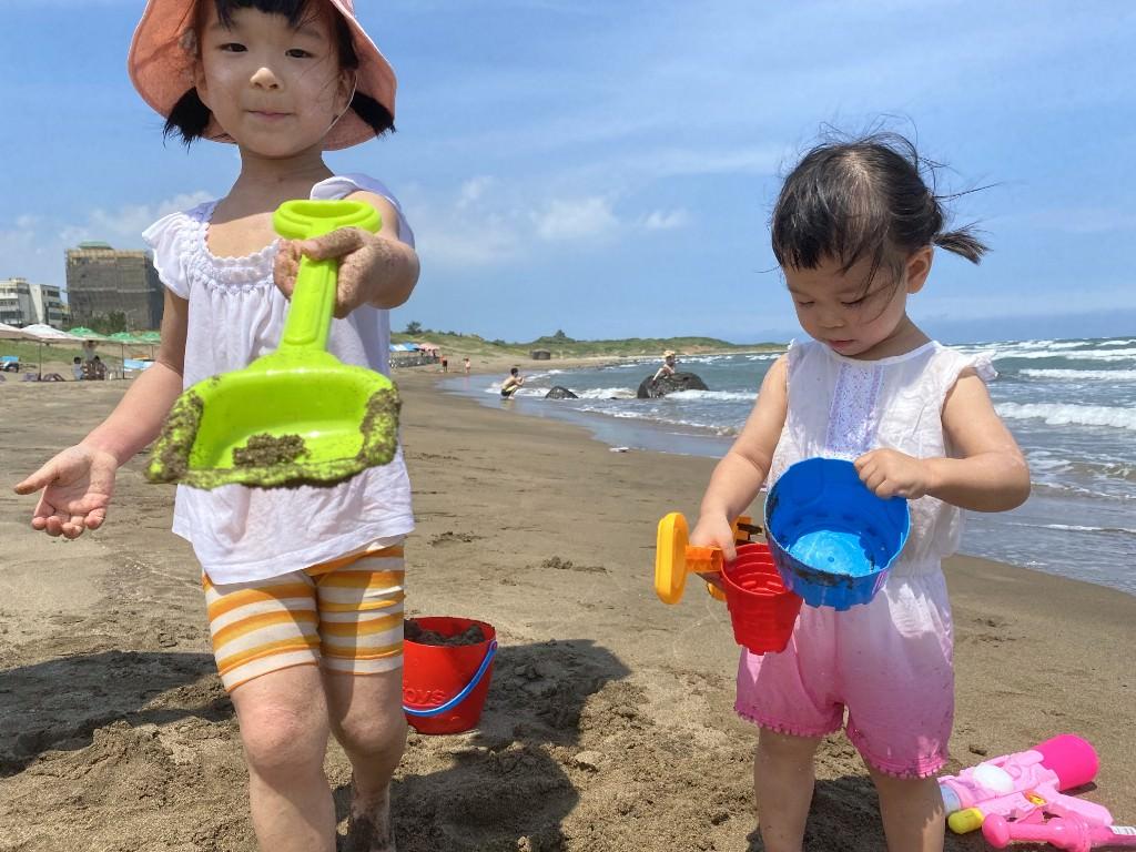 親子夏日消暑第一選擇:北海岸三芝淺水灣沙灘玩水